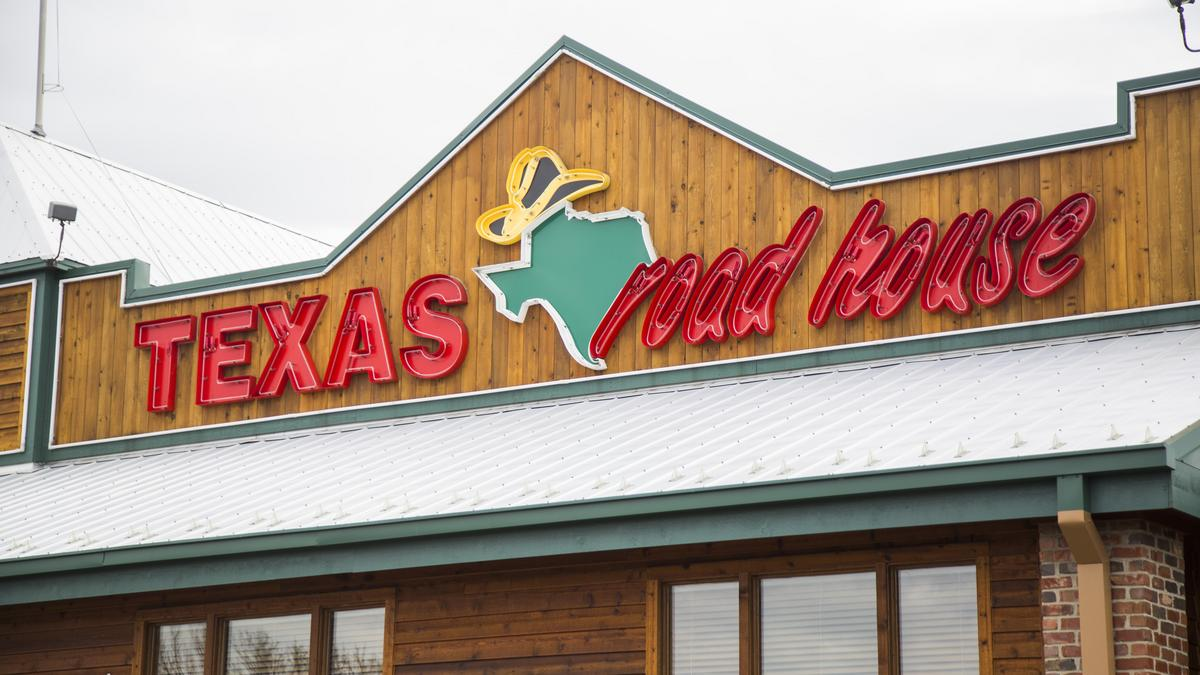 Picture of a Texas Roadhouse restaurant.