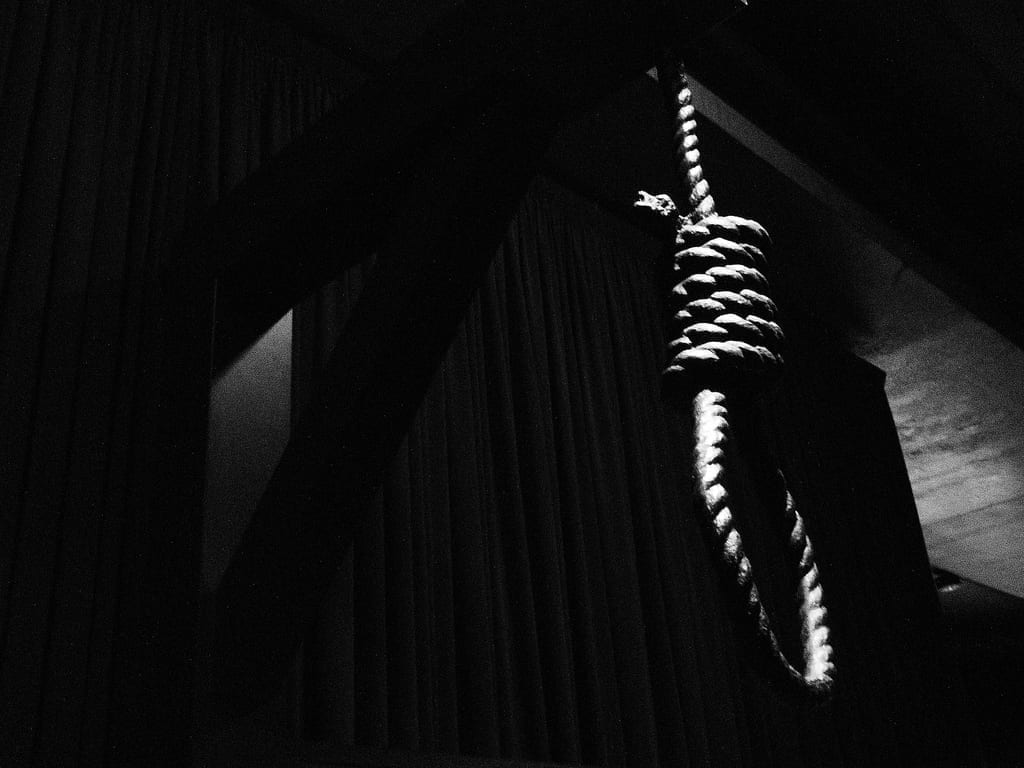 Death noose; image by Global Panorama, via Flickr, CC BY-SA 2.0, no changes.