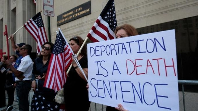 Protesters against Iraqi deportation orders