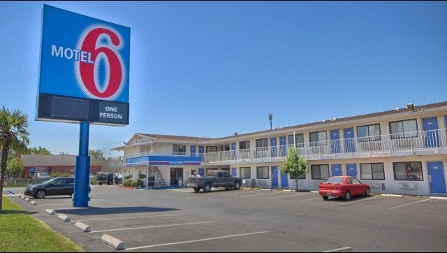 Motel 6 Voluntarily Provided Guest Lists to ICE, Lawsuit Alleges
