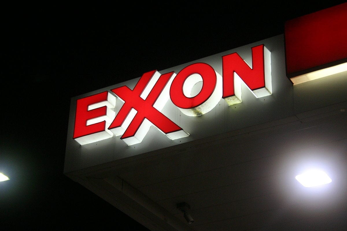 Winfield Associates Inc. Lowers Position in Exxon Mobil Co. (NYSE:XOM)