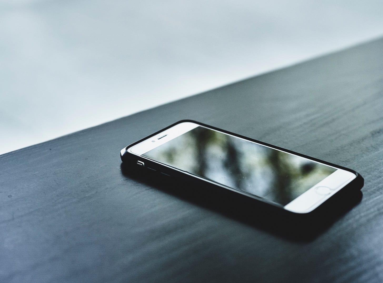Verizon Customer's Personal Photos Transferred Onto Random Device