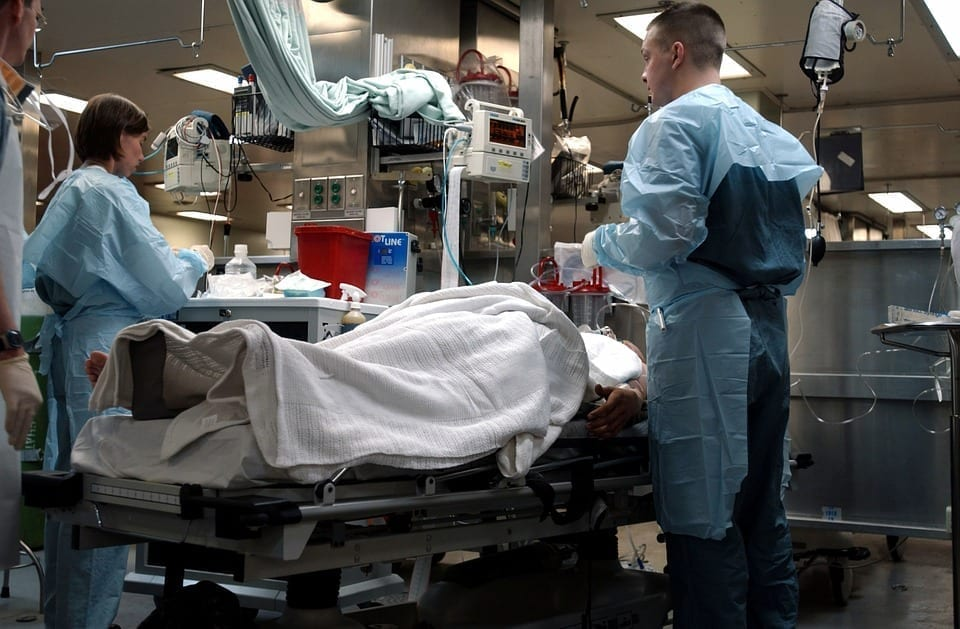 Image of an emergency room scene