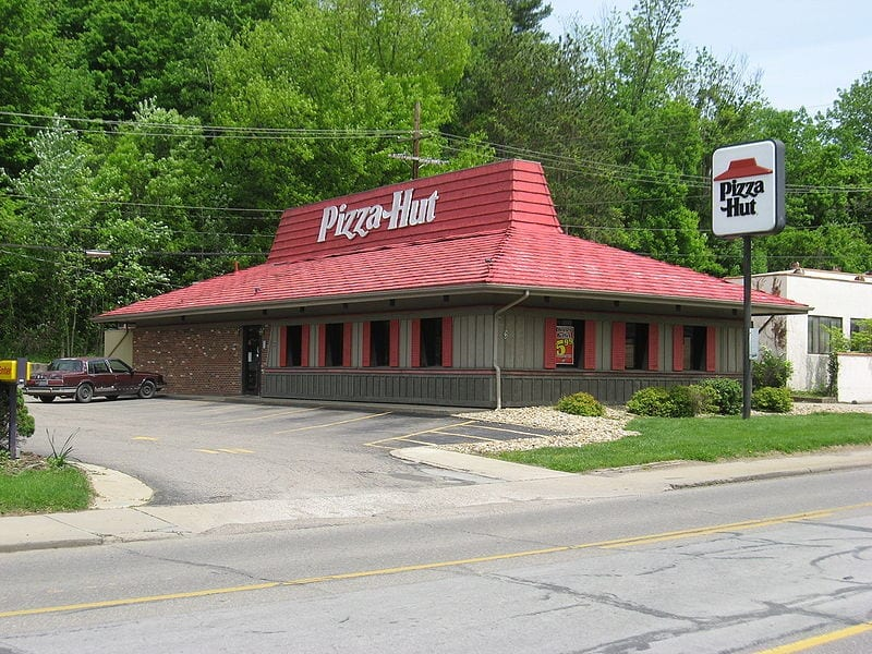 Image of a Pizza Hut Restaurant