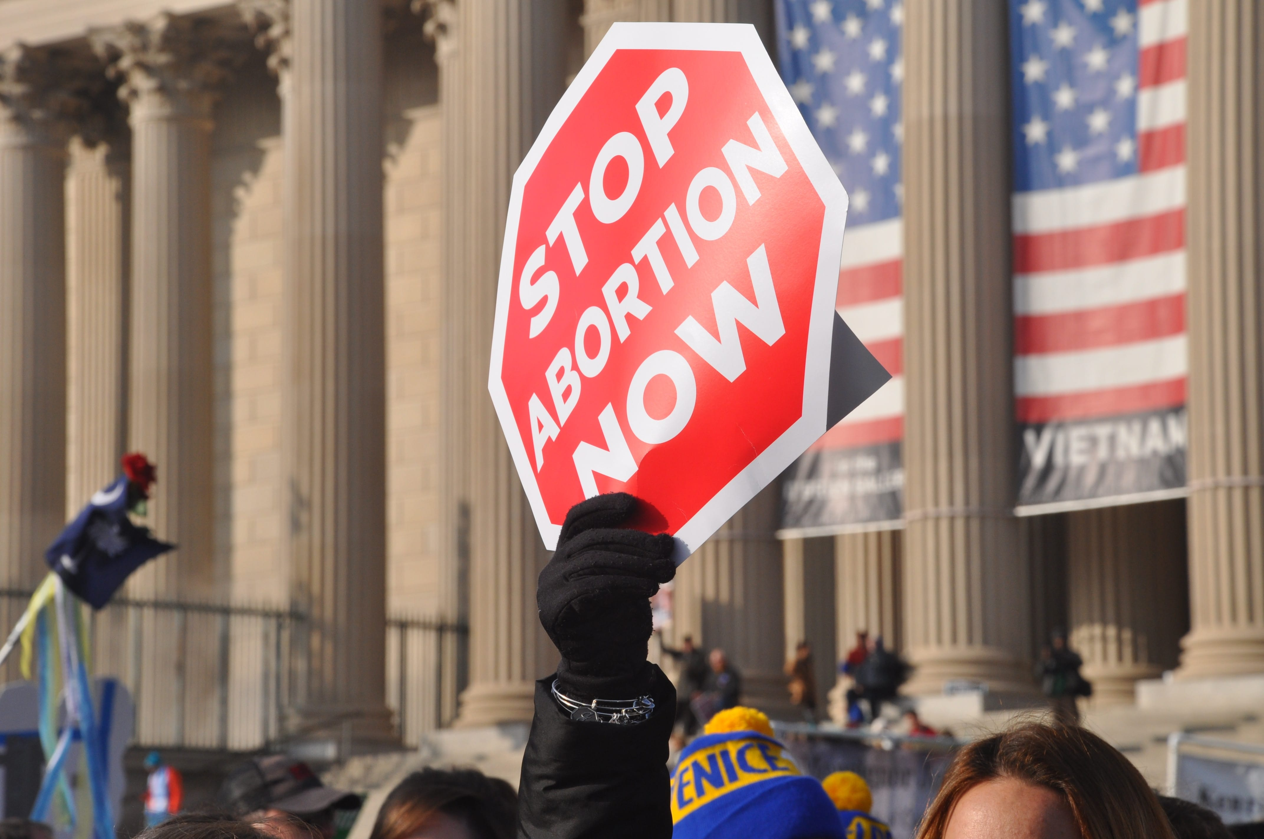 Missouri Judge Keeps Injunction in Place, Abortion Clinic Still Open