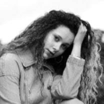 Sofia Alves Mitchell