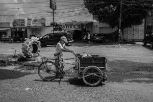 Family Buys Street Vendor's Whole Cart, Sets Up GoFundMe