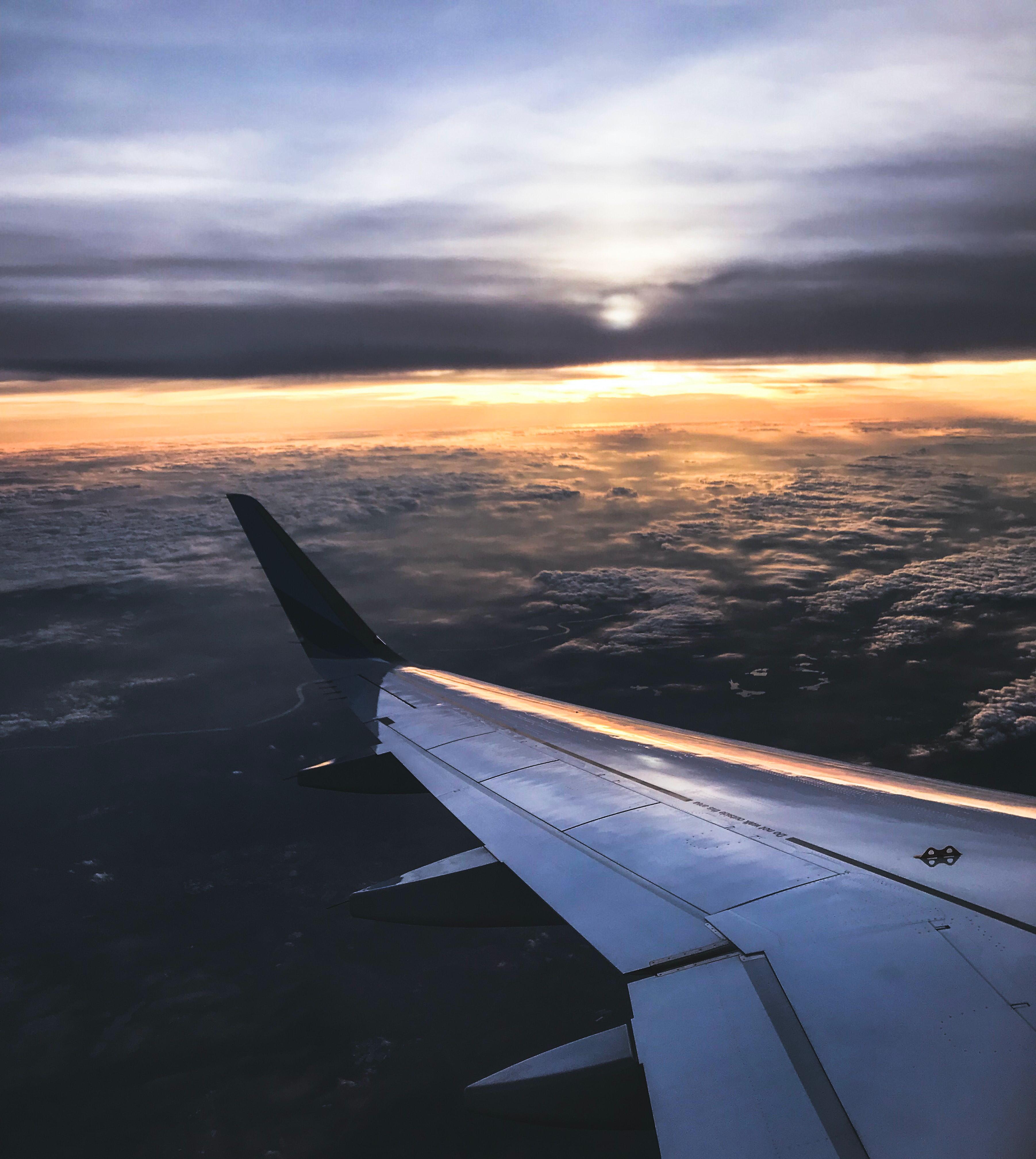 Man Urinates on Building, Plane Passenger Wakes up Wet