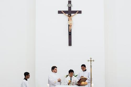 Greek Priest Throws Acid on Bishops During Disciplinary Hearing